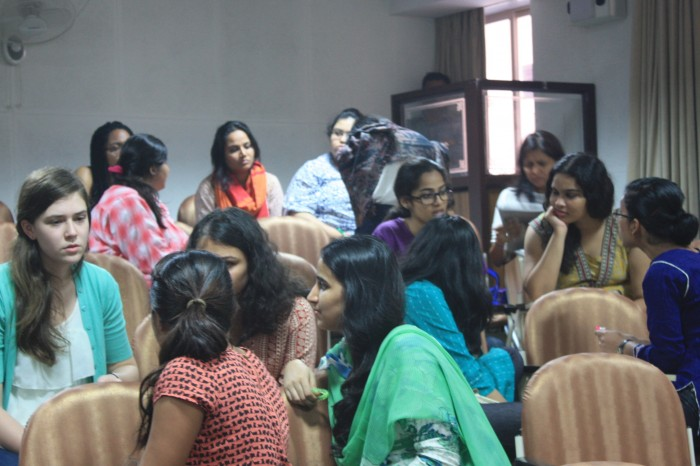 Students discuss gender and the city at the Mumbai Winter Seminar at Sophia College