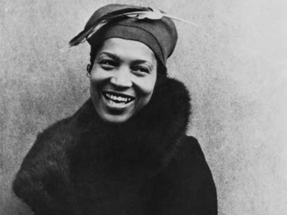 a literary analysis of their eyes were watching god by zora neale hurston Wright found hurston's prose in their eyes were watching god (1937)  the country in the woman, in her book, zora neale hurston & american literary culture .